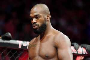Джонс отказался от чемпионства UFC в полутяжелом весе