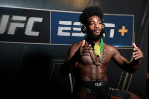 Стерлинг считает Яна привилегированным бойцом президента UFC
