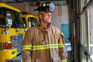 Стипе Миочич продолжает работать пожарным в преддверии третьего боя против Даниэля Кормье
