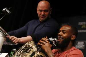 Уайт и Джонс продолжают дискуссию о гонораре за титульный бой с Нганну