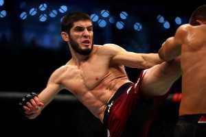 Ислам Махачев встретится с Тиаго Мойзесом 17 июля на UFC Fight Night