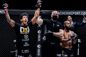 Экс-чемпионы UFC провалились на One on TNT 1