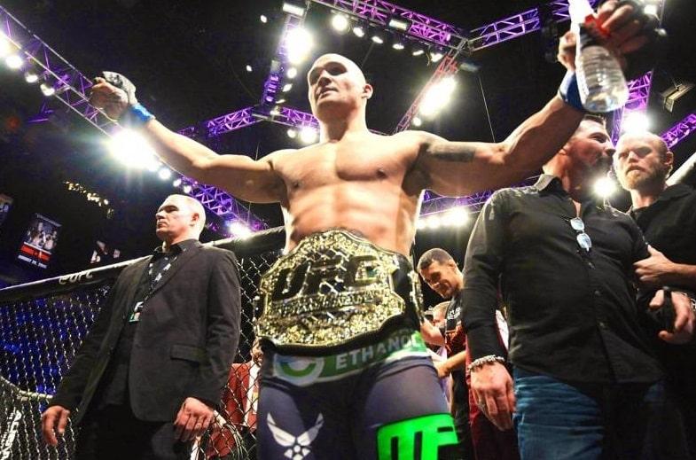 Робби Лоулер - бывший чемпион UFC в полусреднем весе: лучшие бои, статистика и биография