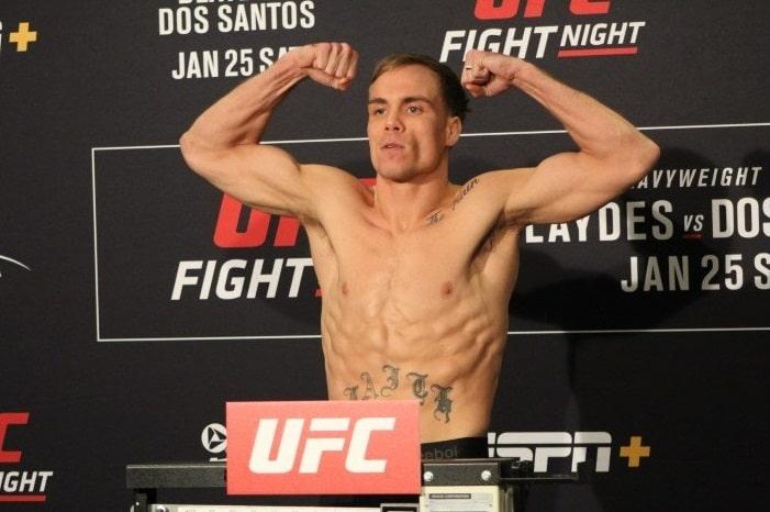 Нейт Ландвер - боец UFC: